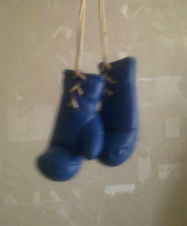 Сувенир. Боксерские перчатки. Длинна перчатки 12 см.