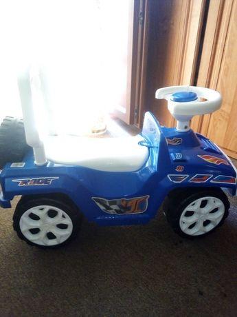 Машинка толокар для діток