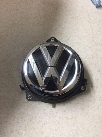 Ручка багажника эмблема VW Golf 7  5G6827469F