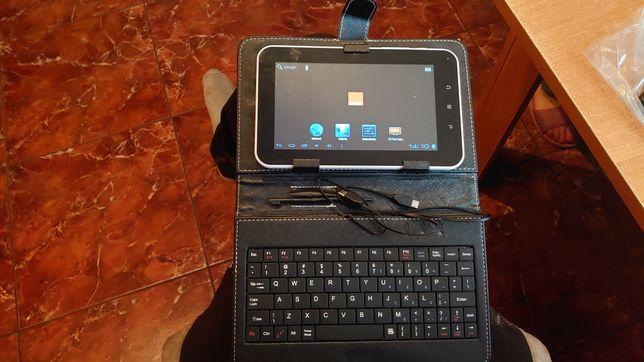 Tablet Funtab 7.0 z klawiaturą