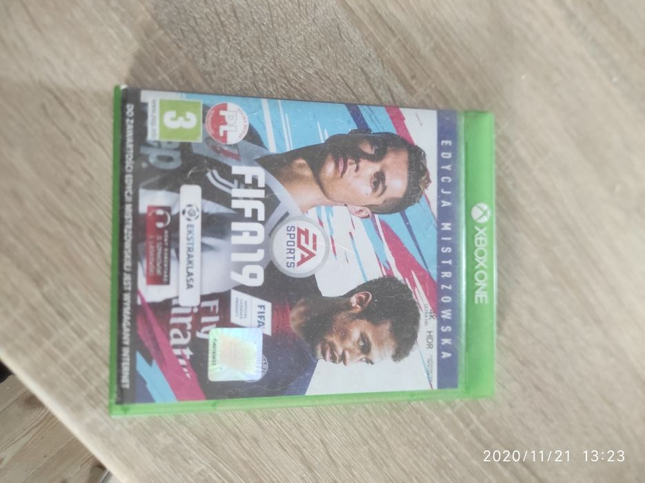 Xbox one FIFA 19 Luboń - image 1