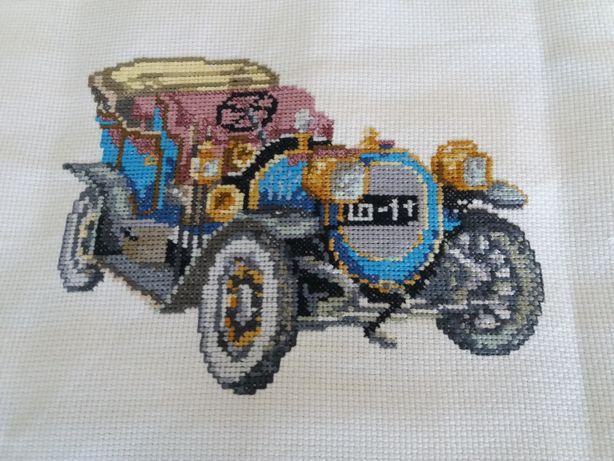 Pano bordado com carro clássico