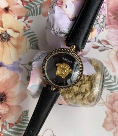 Zegarek Versace ze stali chirurgicznej na skórzanym pasku
