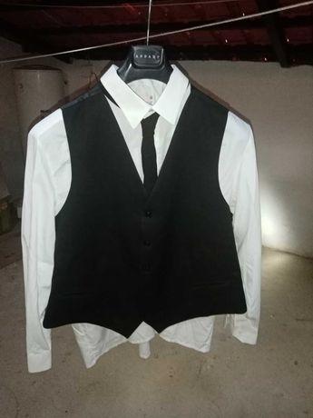 Batina, camisa, colete, e gravata( com pouco uso)