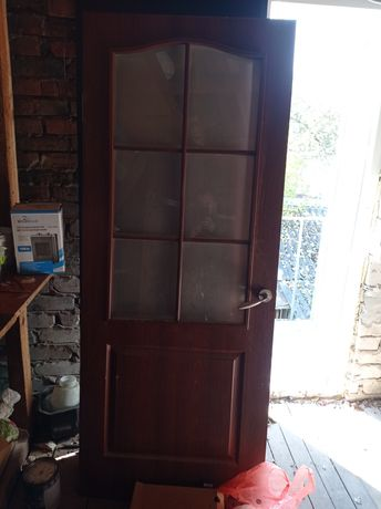 Продам двері МДФ з фурнітурою