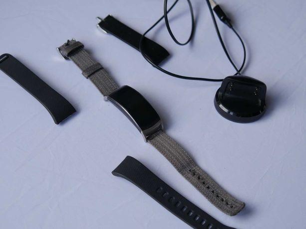 Opaska Samsung Gear Fit2 USZKODZONA Ładowarka, paski, smartwatch