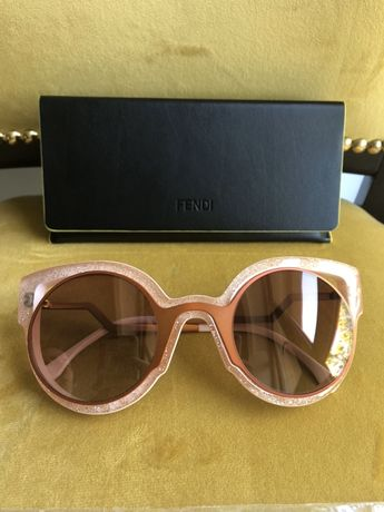 Солнцезащитные очки Fendi оригинал