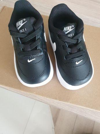 Adidasy buty Nike roz 18.5 wkladka 9cm