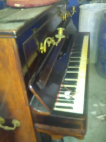 Piano Aucher