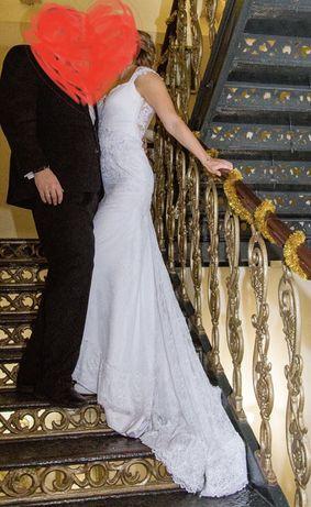 Свалебное платье со шлейфом