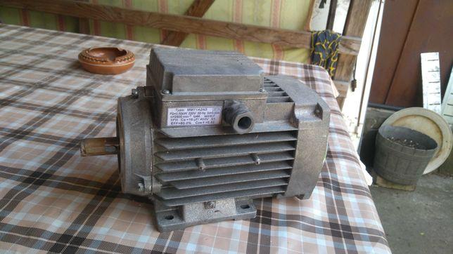 Электродвигатель АИРЕ 71 А2