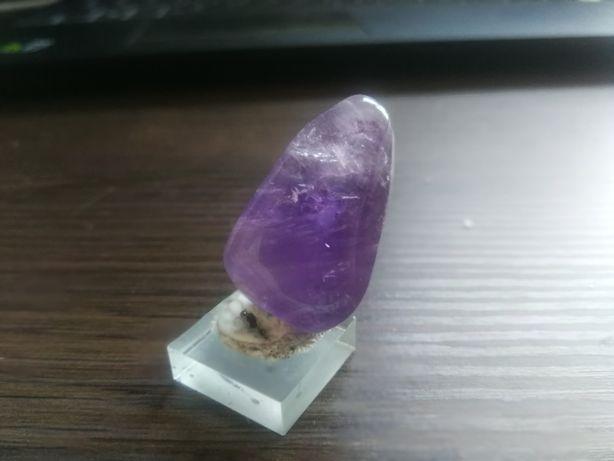 Ametyst minerał szlifowany