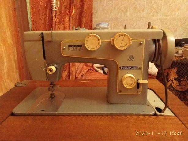 Швейна машинка Подольск 142