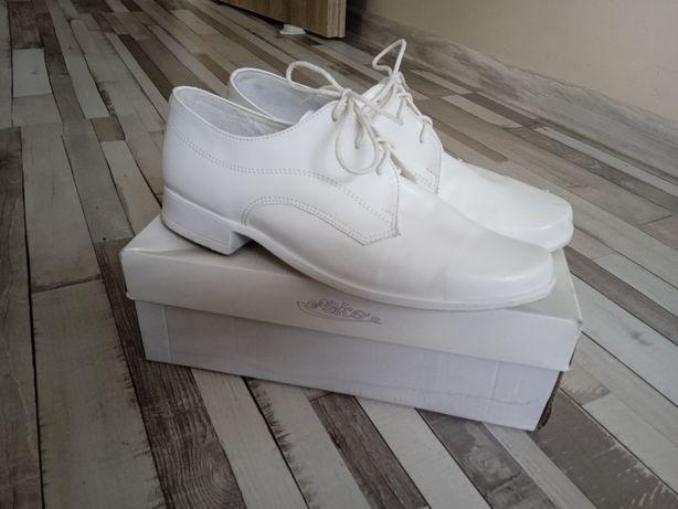 Buty białe do Pierwszej Komunii Świętej r.35