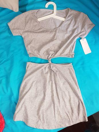 Vestido cinza unido por nó