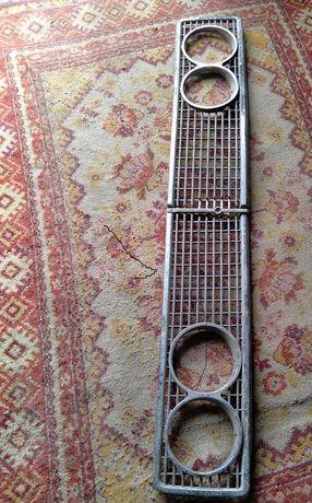 Решетка передняя метал.  для ВАЗ 2103. ВАЗ 2106. б/у состояние новая.