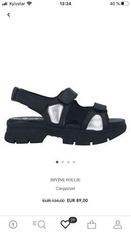 Крутые кожаные босоножки Divine Follie 37