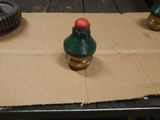Beczkowóz. Beczka. Zawór bezpieczeństwa podciśnieniowy 1 1/2.
