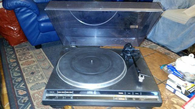 Gramofon Onkyo CP-1046F