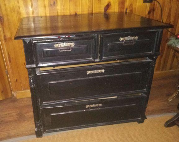 Stara solidna drewniana komoda