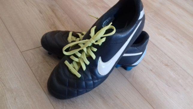 Prawie nowe korki Nike roz 38,5