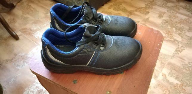 Полу ботинки 36размер