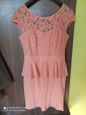 Brzoskwiniowa sukienka baskinka rozmiar 40