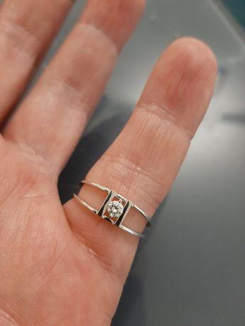 Золото бриллиант 0,13 ct.