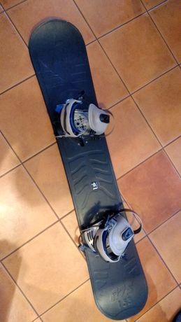 Deska snowboard Volkl 153 czarna z wiązaniami. Wysokość 153cm