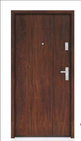 Drzwi gładkie wejściowe do mieszkań z pełnym wyposażeniem i gwarancją!