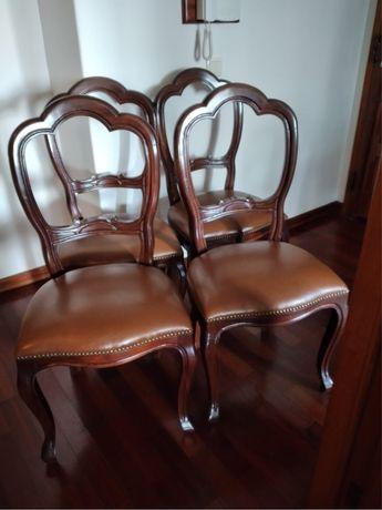 Conjunto 4 cadeiras em mogno