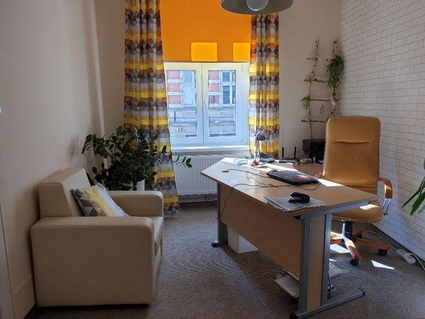 Pomieszczenia biurowe 25mkw., Centrum Torunia, cena netto 750zł.