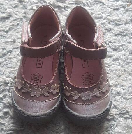 Оригинал.кожаные,фирменные,качественные туфельки бренда andre