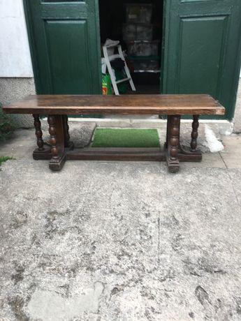 Antigo banco ou mesa rececao de hotel