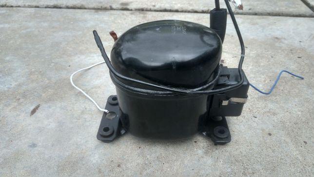 Компрессор для охлаждения воды кулера HOTFROST