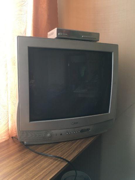 Продам цветной телевизор LG , в рабочем состоянии ,управление ПДУ.
