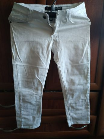 Белые штанишки. Джинсы.