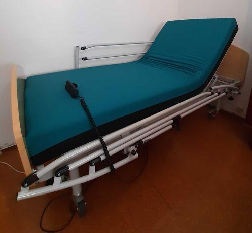 Cama Hospitalar Articulada Eléctrica Tripartida + Colchão