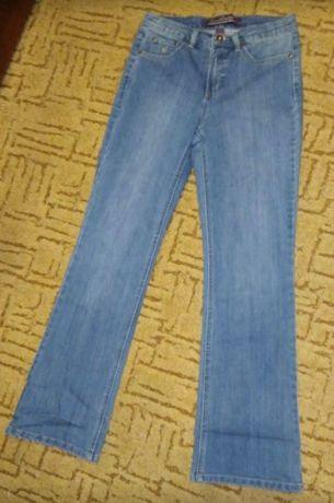 Женские джинсы высокая талия.