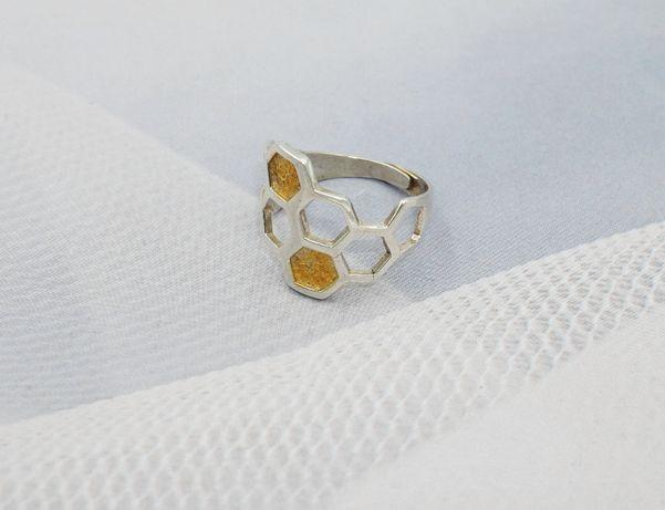 Piekny,srebrny 925 pierścionek plaster miodu