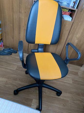 Компьютерный / офисный  Стул / стілець до робочого стола
