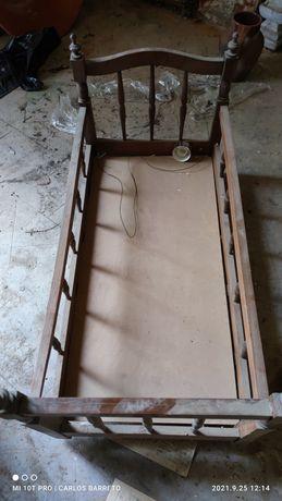 Berço madeira antigo