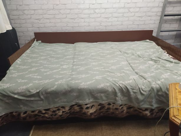 Кровать раздвижная полуторная