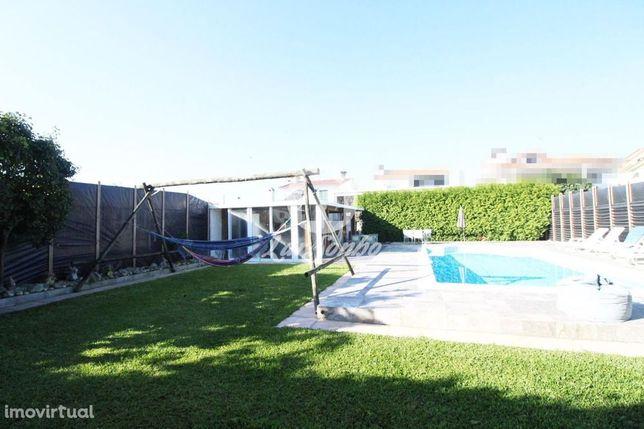 Moradia M4 c/ piscina e jardim em Rio Mau, Vila do Conde