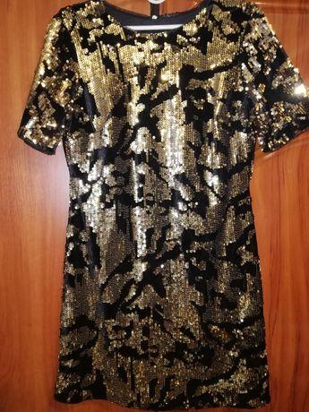 Вечернее платье в паетках