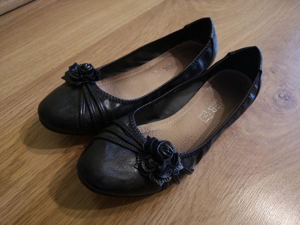 Używane buty tanio cena za parę półbuty balerinki botki