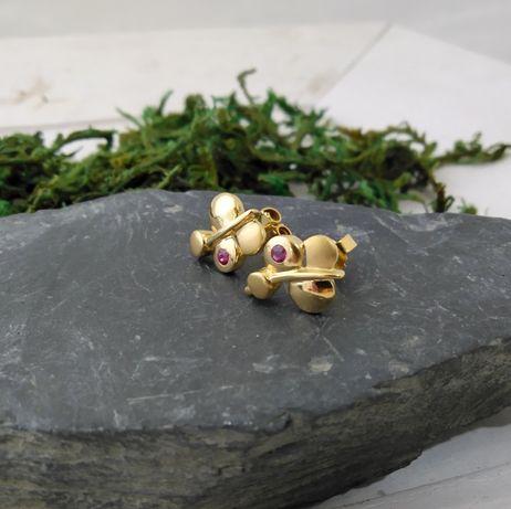 Złote kolczyki z czerwonym kamieniem,  złoto 333