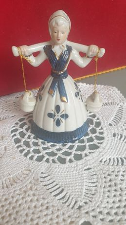 Dzwonek kolekcjonerski  porcelana , figurka Dziewczyna z wiadrami
