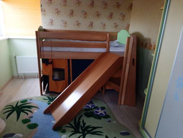 Продам кровать-домик с горкой