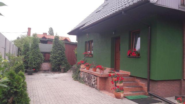 Dwa domy Ruda Śląska Halemba ul. Nowy Świat 65.